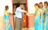 Distributing Nila Vembu Kasayam